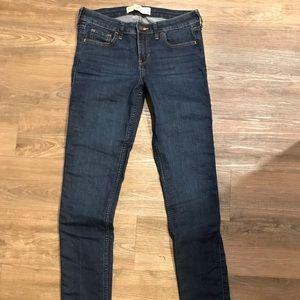 Hollister dark wash jeans size 27